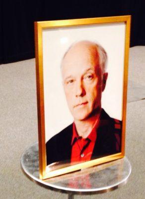 Porträtt med den mördade journalisten Nils Horner