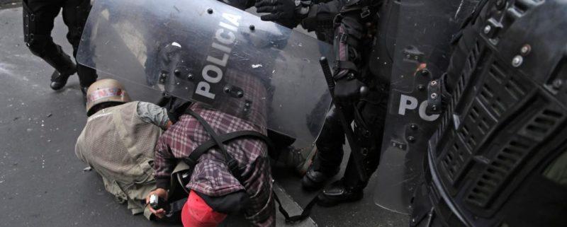 journalister i Ecuador attackeras av journalister